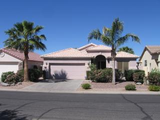 Fabulous Golf Course Home in Johnson Ranch, Queen Creek