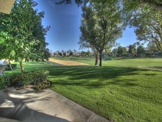 Beautiful 3 bedroom on the golf course at PGA West at 2 bedroom prices, La Quinta