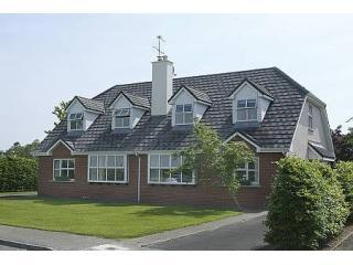 Stunning Home Adjacent to National Park- Free WIFI, Killarney