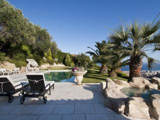 Luxury Nice Villa with Private Pool, Panoramic Sea View, WiFi