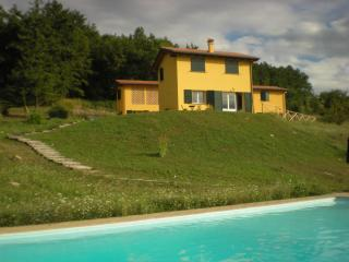 Superb Villa with Pool near Bologna and Florence, Bolonia
