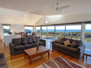 TamO'Shanter Views  Stunning beach house  Tasmania - Bridport vacation rentals