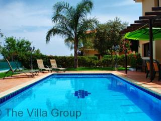 Amazing 3 BR, 2 BA House in Oroklini (Villa 3037)