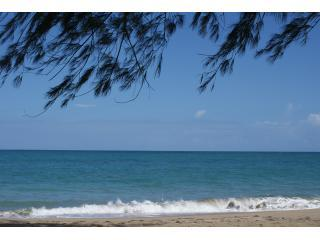 San Juan Area 4 bdrm House on beach & Car deal