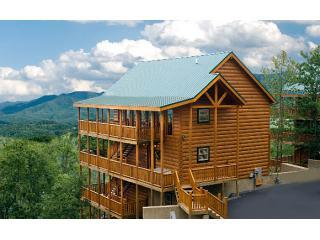 Bashful Bear~Mtn Views,Lux 6/6,Elev/Thtr/GmRm/WIFI, Pigeon Forge