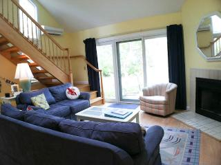 Ocean Edge Townhouse with King, A/C & Pool (fees apply) - BI0341, Brewster