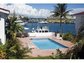 Lovely 1-Bed Apartment close to Beach and shops - Freeport vacation rentals