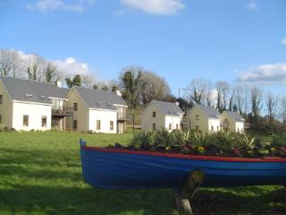 The Waterfront Holiday Homes, Dromod