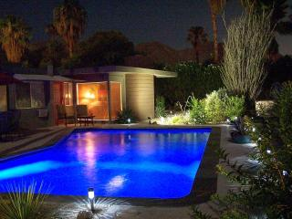 Families Love Us! Happy, Colorful Home, Pool, Spa, Rancho Mirage