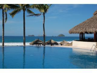 Amazing 2 Story Beachfront Penthouse at Amara, Ixtapa
