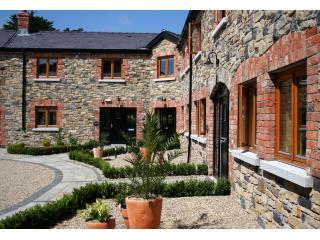Decoy Country Cottages - The Stables, Navan