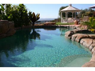 5 bd/4 ba LUXURY VILLA w/Jungle Pool/Spa, VIEWS!, Santa Rosa