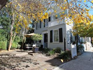 Historic Charleston Single- South of Broad- Walk! - Charleston vacation rentals