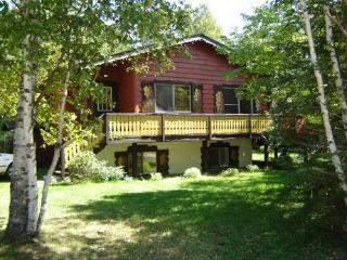 Cottage #487 with outdoor spa, lake & beach access, Mont Tremblant