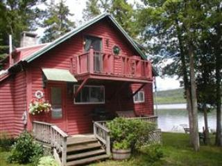Moose Cove Cottage - Image 1 - Rangeley - rentals
