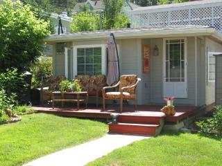 Backyard Cottage B&B; - South Dakota vacation rentals