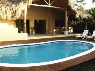 Caribbean Style Villa 150m from Beach, Bars, Las Terrenas