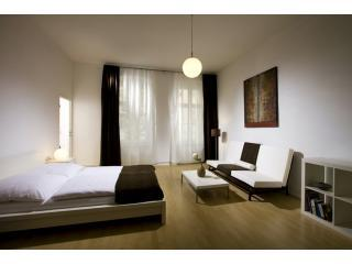 A Quite Studio-Apartment Prenzlauer Berg/Mitte - Berlin vacation rentals