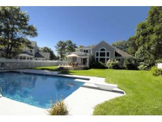 Mashpee, Cape Cod, 6 Bedroom Home & Pool-Sleeps 12