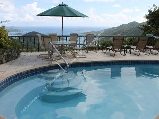Satinwood: Luxurious, private, breezy and a View!, Coral Bay