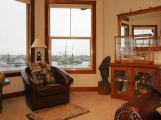 #304/1 - Top Floor Harborfront Home, Westport