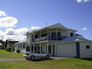 Lakeshores Holiday and Short Stay Accommodation - Blacksmiths vacation rentals