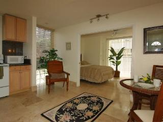 * * Fully Remodeled Affordable Condos by the Beach, Honolulu