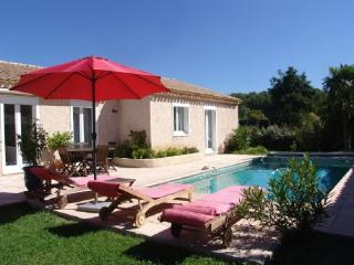 Holiday Rental 3 Bedroom Villa with Pool, Venelles, Bouches-du-Rh