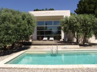 Amazing Marseille Holiday Rental Villa with a Pool