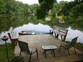 Enjoy full access to dock and boat