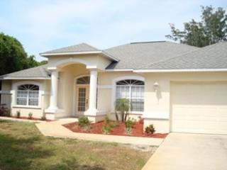 Lemon 9 - stroll to Manasota beach, pool home, Englewood
