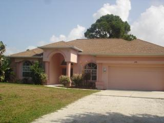Manasota 9 - pool home, walk ot bike to beach, Englewood
