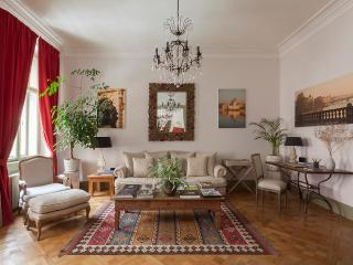 Charming 2 Bed, 1 Bath House in Prague (No 46)