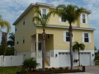4 bed luxury upscale executive waterfront home, Anna Maria