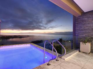 Bali Place, Luxury 4 bed Camps Bay villa