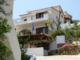Eye Q Resort, Skiathos