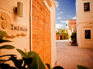 Inzolia Luxury Holiday House with Private Pool, Xaghra