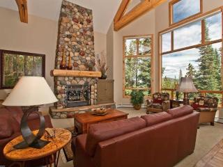 Luxury, Upscale 6 BR Ski in/out, private Hot tub, Breckenridge
