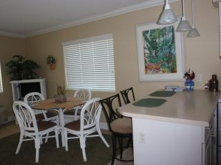 Top floor, end unit , beautiful beachfront view, Pensacola