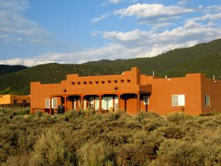 Heather's Hacienda 3/3, Taos