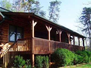 Home away from Home - Relax at Sadie's Retreat!, Lake Lure