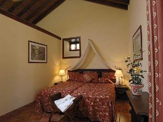 Jasmin cottage, Twin beds.
