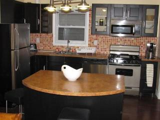 NYC across the river 3 bedrooms/2bath apartment, Union City