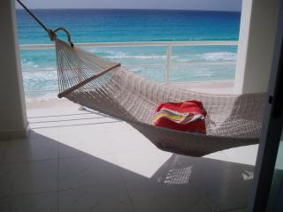 Beautiful Beach Front View, Cancún