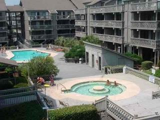 Clean and Affordable Shipwatch Pointe 1 Bedroom Condo I Myrtle Beach, SC