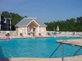 Waterway Condo, 2 pools, Tennis Ct., Putting Green, Myrtle Beach