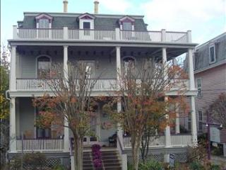 Condo with 1 BR & 1 BA in Cape May (The Hideaway 53609)