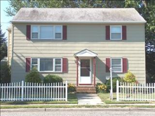 House with 2 Bedroom-1 Bathroom in Cape May (10093)