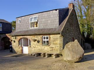 TOBER BEAG, pet friendly, character holiday cottage, with open fire in Ferns, County Wexford, Ref 3944