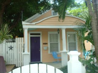 Casa Manana 2 bedroom Cottage in Old Town Key West, Cayo Hueso (Key West)